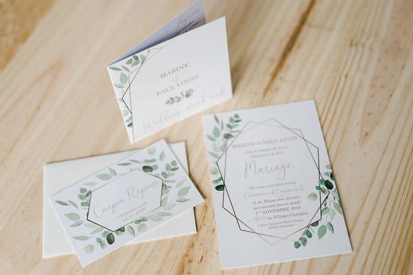 faire-part mariage ambiance végétale avec différents coupons aquarelle feullage et géométrie dorée les petits papiers du bonheur