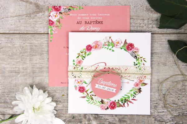 faire part baptême couronne boheme et fond rose avec dentelle ficelle et petite les petits papiers du bonheur étiquette